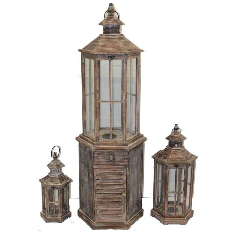 duża latarnia drewniana