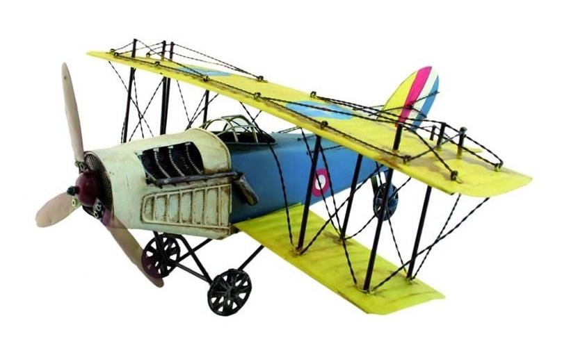 replika samolot z metalu