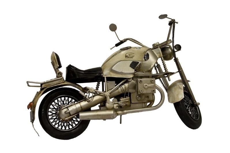 replika auta motor
