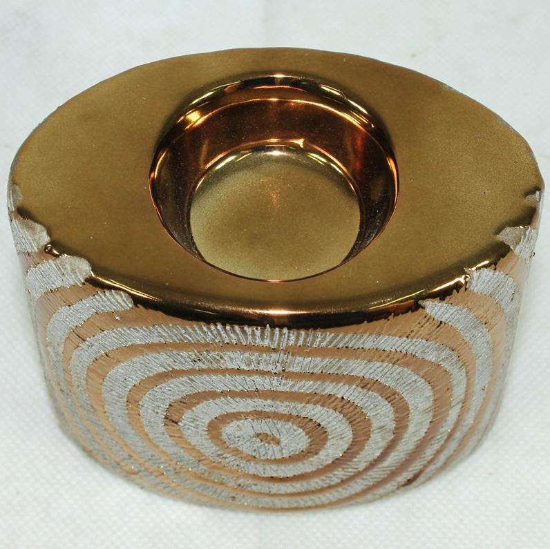 świecznik dekoracyjny złoty zbliżenie